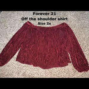 Off the shoulder 3/4 sleeve shirt